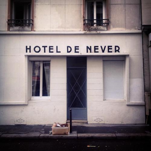 hotel de never